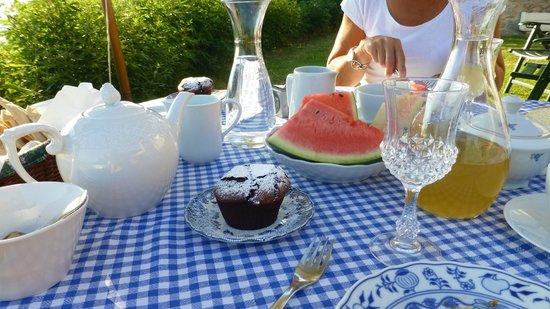 B&B Eremo del Lupo : Breakfast table