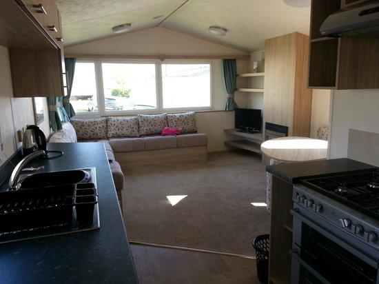 Devon Cliffs Holiday Park - Haven: living room