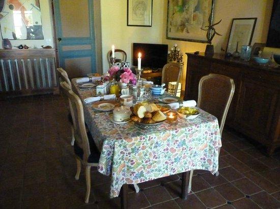 Domaine Mongiron: Belle table d'hôtes