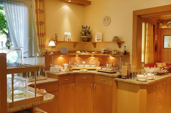 Hotel Kriemhild: breakfast buffet
