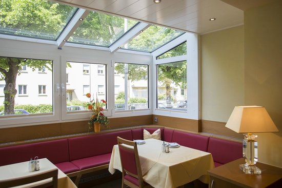 Hotel Kriemhild: winter garden