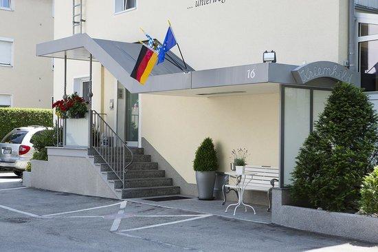 Hotel Kriemhild: hotel main entrance