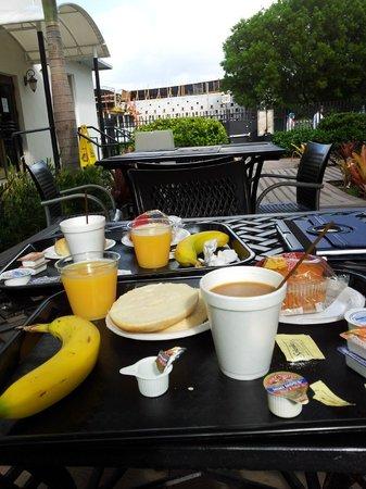 Hotel Beach Plaza: Desayuno!