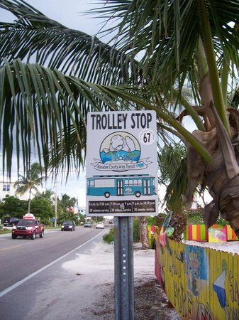 Tradewinds Beach Resort: Free trolley