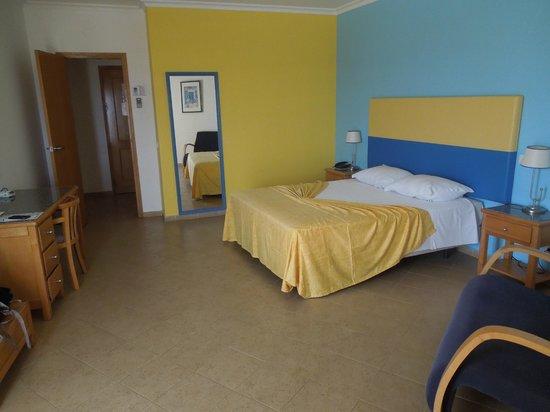 Hotel Maritur : Bedroom
