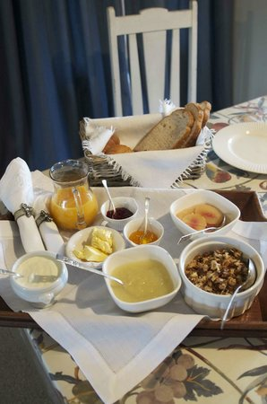 Broomfield Garden Cottages & Homestay: Amazing homemade breakfast