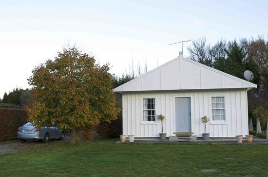 Broomfield Garden Cottages & Homestay: Winter Cottage