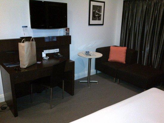 Novotel Brisbane Airport: room3