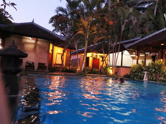 The Natia: Swimming Pool