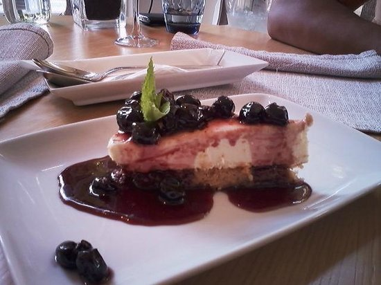 The Excelsior Bistro: cheesecake