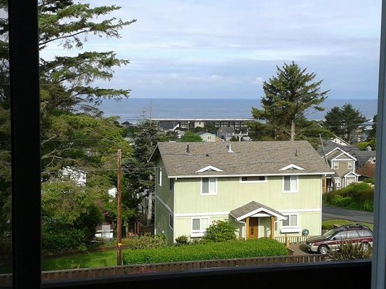 Inn at Wecoma Lincoln City: View from third floor room 315