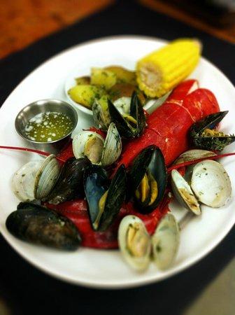 Le Metro Neighborhood BIstro: Seafood, Lobster...