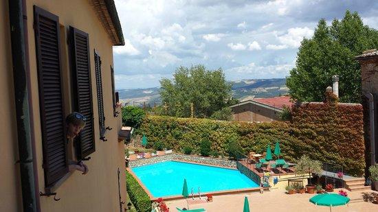 هوتل سان لينو: View from Room #303