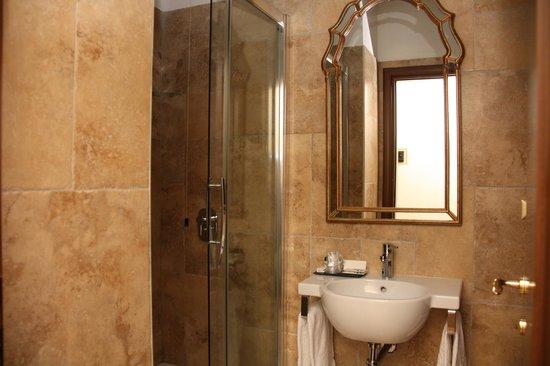 Hotel Le Clarisse al Pantheon: Bathroom