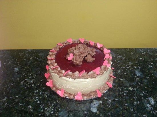 Upper Crust : Specialty Cakes