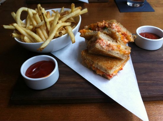JOEY Eaton Centre: Lobster grilled cheese sandwich