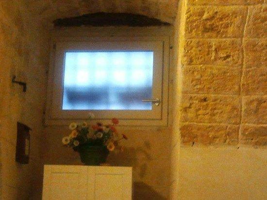 Abbazia degli Svevi: Окошко в номере на первом этаже
