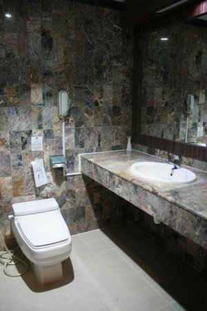 Formosa Hotel: Bathroom