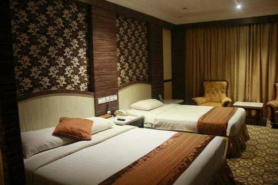 Formosa Hotel: 1 Queen & 1 Single