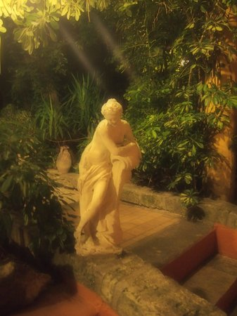 Hotel Villa Antica: Фото в саду