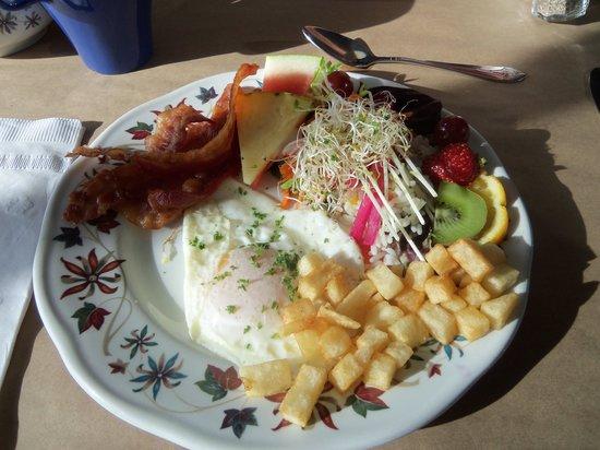 Le Reve Doux: déjeuné classique 1 oeuf bacon!