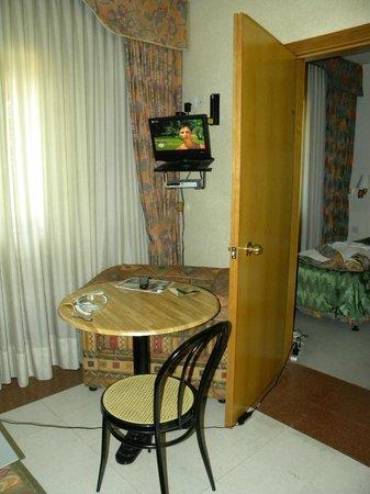 University Residence: Sala