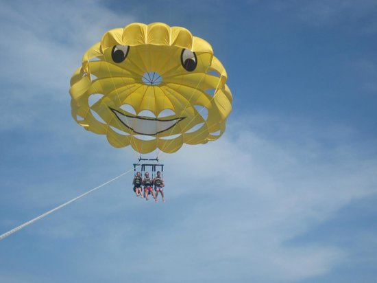 Smile High Parasail: On the way up...