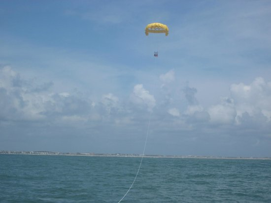 Smile High Parasail: 1400 feet above the ocean...