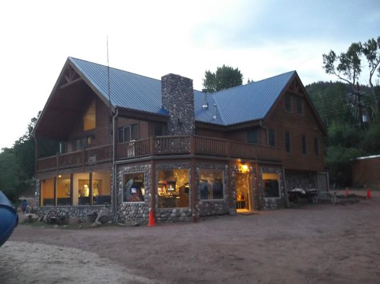 Lone Duck Campground : Lodge