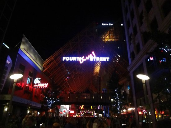 Fourth Street Live! : Outside view
