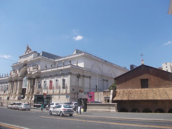 Via nazionale chiesa san vitale facciata foto di via for Palazzo delle esposizioni via nazionale roma