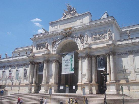 Via nazionale palazzo delle esposizioni facciata for Palazzo delle esposizioni via nazionale roma
