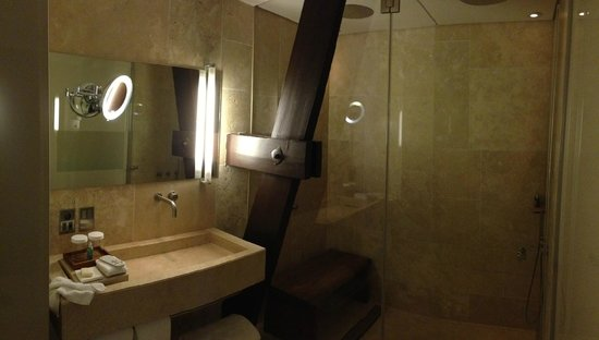 miroir tv salle de bain miroir tv salle de bain hymage fabricant et concepteur de televiseur. Black Bedroom Furniture Sets. Home Design Ideas