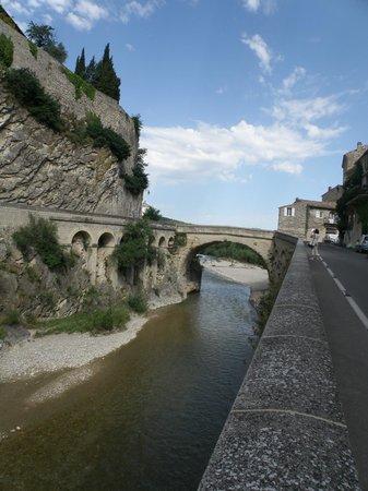 Roman Bridge : Pont Romain au-dessus de l'Ouvèze