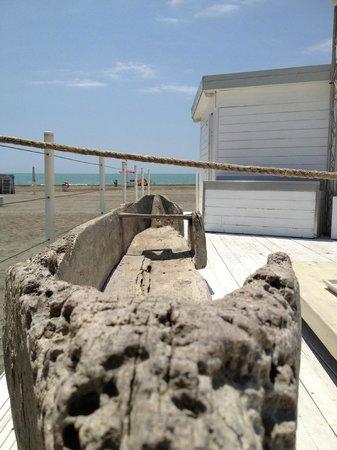 Shilling di Ostia: Relitto barca