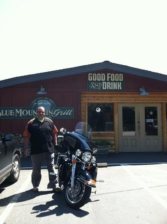 Blue Mountain Grill: great food!