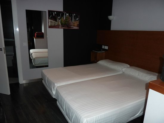 Exe Hotel El Magistral: Habitacion doble