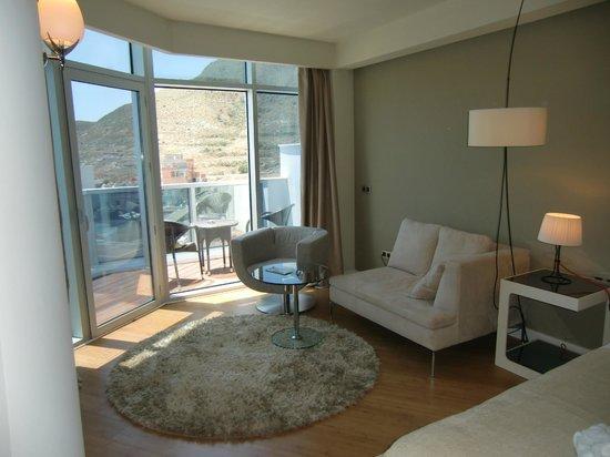 Hotel Valhalla Spa: Zona salon y terraza