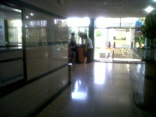Las Quince Letras Hotel: recepcion y lobby