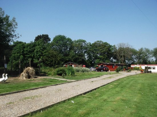 Grewgrass Lodge: The two lodges