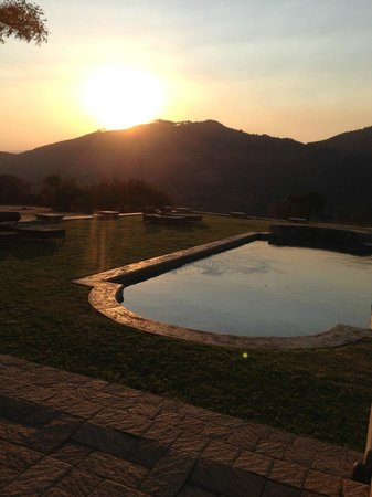 Dawson's Game and Trout Lodge: sunset from pool
