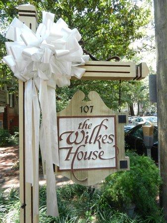 Park Avenue Manor: Mrs. Wilkes Dining Room