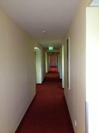 Holiday Inn Express Düsseldorf - City North: gang