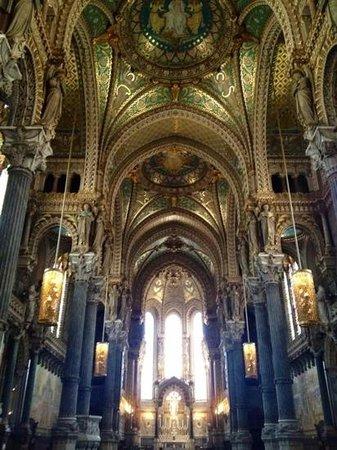 Hotel Saint-Pierre des Terreaux : Basilique Notre Dame de Fourviere