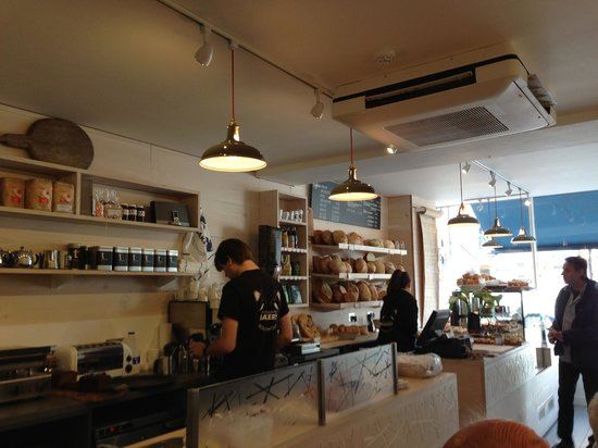 Two Magpies Bakery: Great design, great food, great service