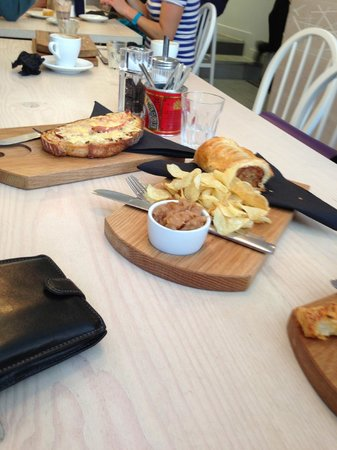 Two Magpies Bakery: Lovely lunch