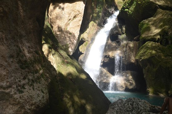 Jacmel, Haïti : The third falls (highest)