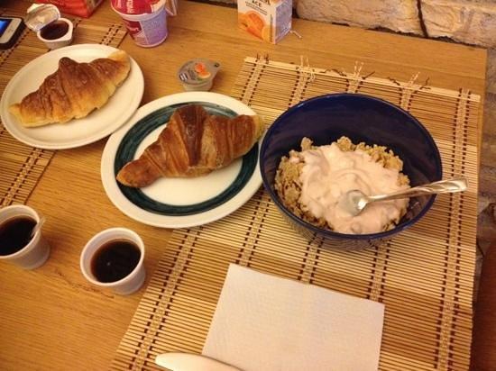 Caesar's Rooms: desayuno en caesar rooms