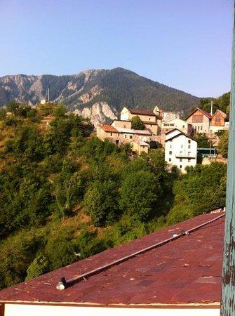 Auberge Le Robur : vue de la chambre sur le village