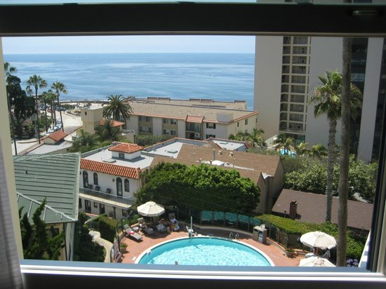 Grande Colonial La Jolla : View from one of the windows
